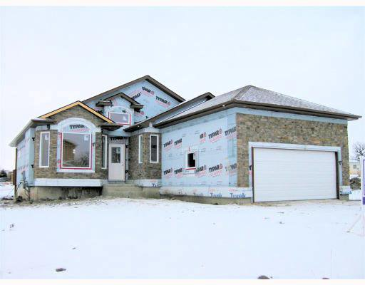 Main Photo: 39 FOXRUN Place in WINNIPEG: West Kildonan / Garden City Residential for sale (North West Winnipeg)  : MLS®# 2903054