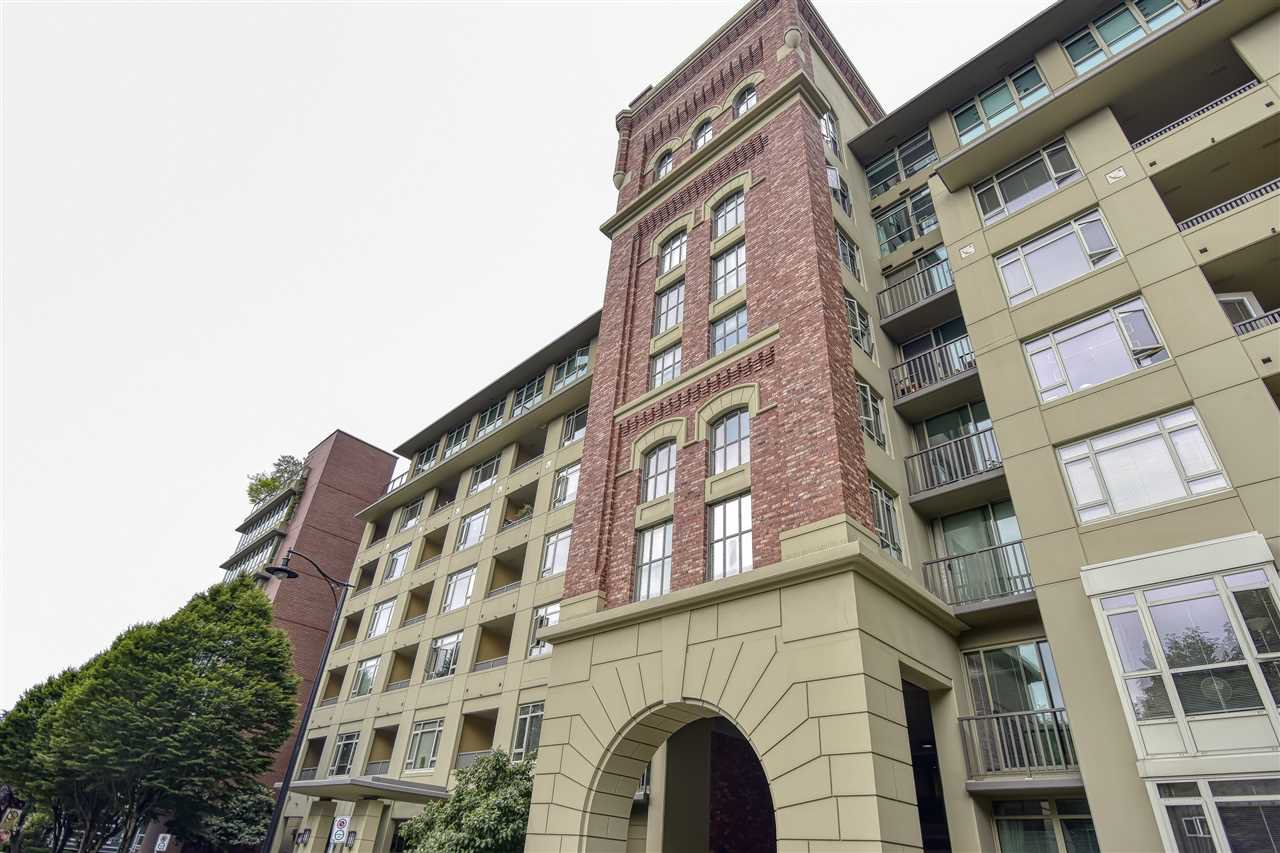 Main Photo: 807 2799 YEW STREET in Vancouver: Kitsilano Condo for sale (Vancouver West)  : MLS®# R2481246