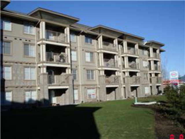 """Main Photo: 105 45555 YALE Road in Chilliwack: Chilliwack W Young-Well Condo for sale in """"The Vibe"""" : MLS®# R2507019"""