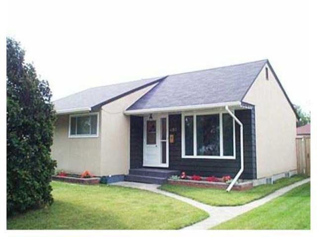 Main Photo: 490 KILBRIDE Avenue in WINNIPEG: West Kildonan / Garden City Residential for sale (North West Winnipeg)  : MLS®# 2309736