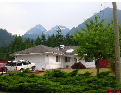 Main Photo: 20054 BIRCH Place in Hope: Hope Silver Creek House for sale : MLS®# H2902368