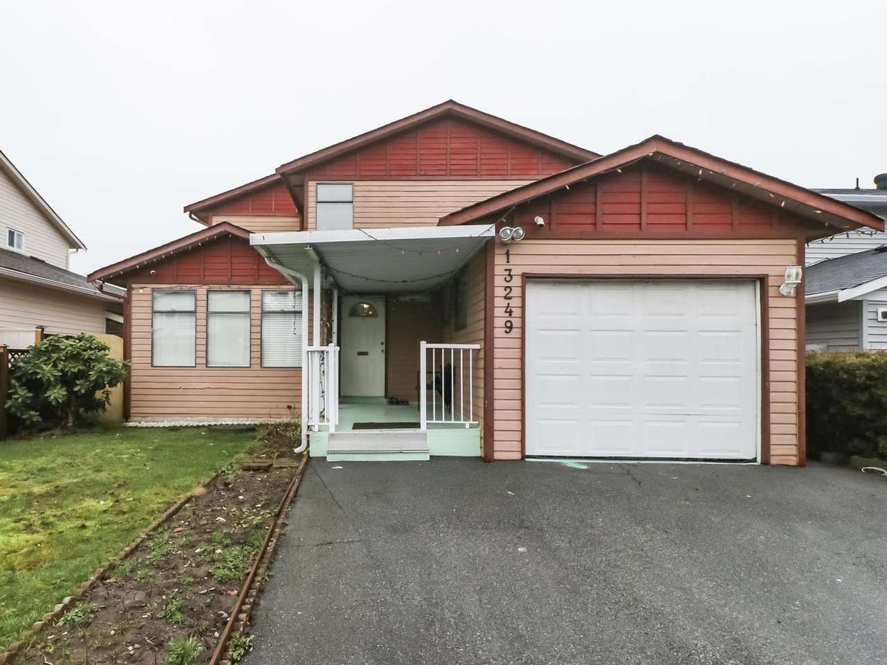 Main Photo: 13249 81A Avenue in Surrey: Queen Mary Park Surrey House for sale : MLS®# R2426727