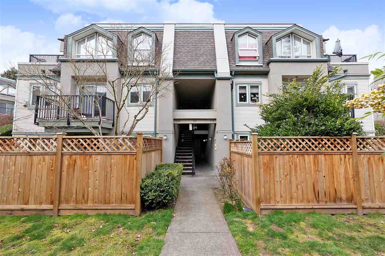 """Main Photo: 83 215 BEGIN Street in Coquitlam: Maillardville Condo for sale in """"PLACE FONTAINE BLEU"""" : MLS®# R2445214"""