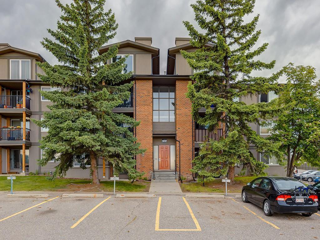 Main Photo: 414 6400 COACH HILL Road SW in Calgary: Coach Hill Apartment for sale : MLS®# C4303311