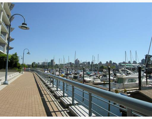 """Photo 6: Photos: 506 633 KINGHORNE MEWS BB in Vancouver: False Creek North Condo for sale in """"ICON-II"""" (Vancouver West)  : MLS®# V721664"""