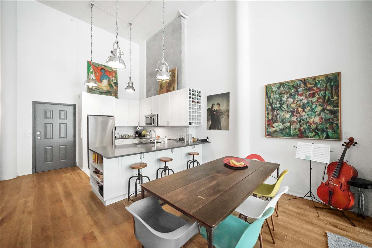 """Photo 14: Photos: 201 2525 QUEBEC Street in Vancouver: Mount Pleasant VE Condo for sale in """"CORNERSTONE"""" (Vancouver East)  : MLS®# R2477033"""
