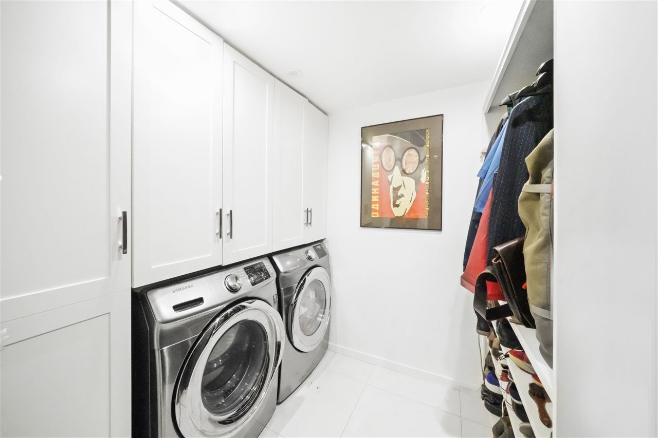 """Photo 16: Photos: 201 2525 QUEBEC Street in Vancouver: Mount Pleasant VE Condo for sale in """"CORNERSTONE"""" (Vancouver East)  : MLS®# R2477033"""