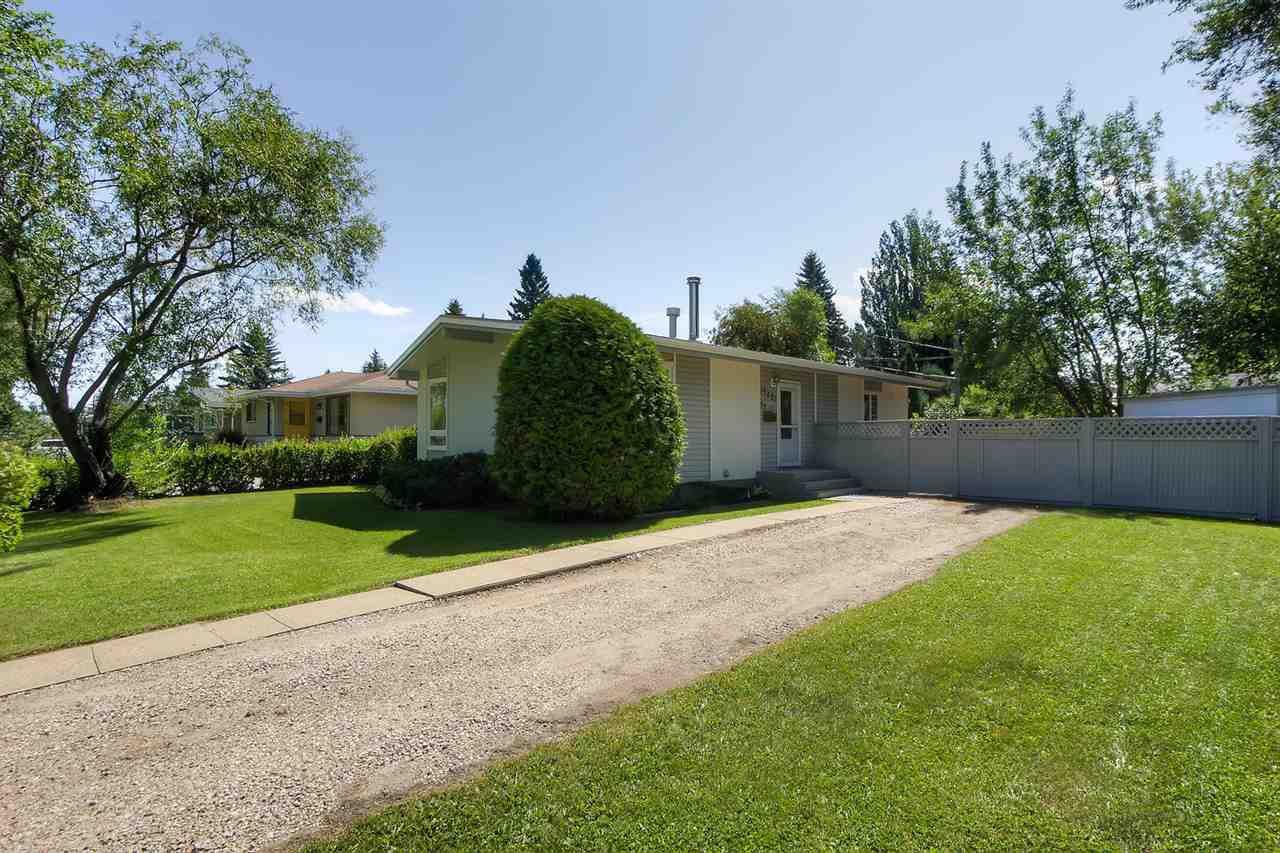 Main Photo: 15421 76 Avenue in Edmonton: Zone 22 House for sale : MLS®# E4209923