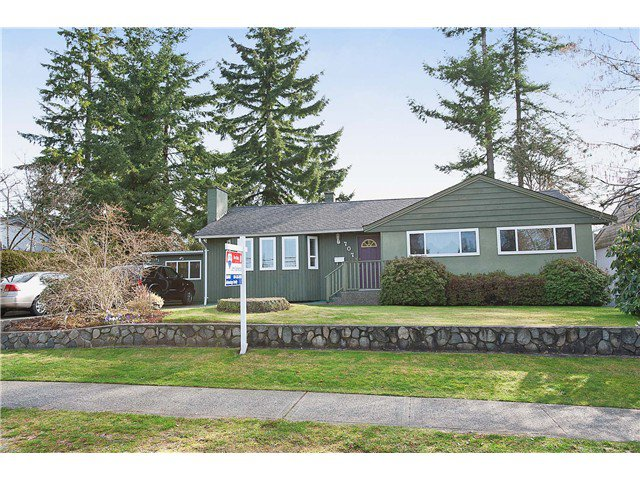 Main Photo: 707 ROBINSON Street in Coquitlam: Coquitlam West House for sale : MLS®# V997474