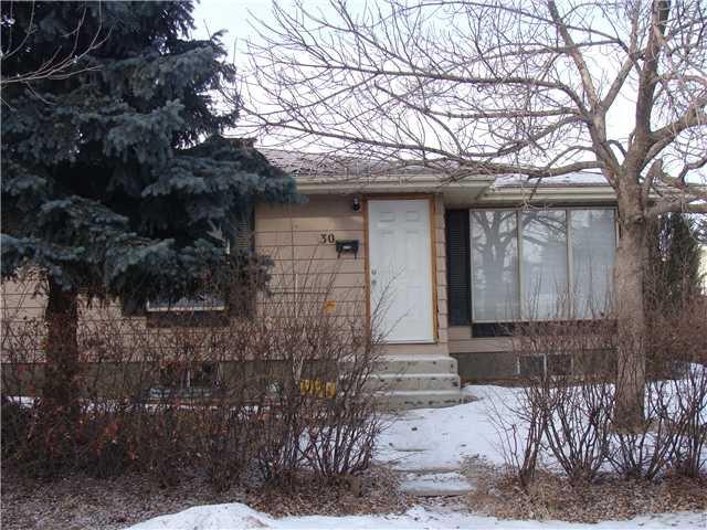 Main Photo: 30 ERIN RIDGE Place SE in CALGARY: Erinwoods Residential Detached Single Family for sale (Calgary)  : MLS®# C3602698
