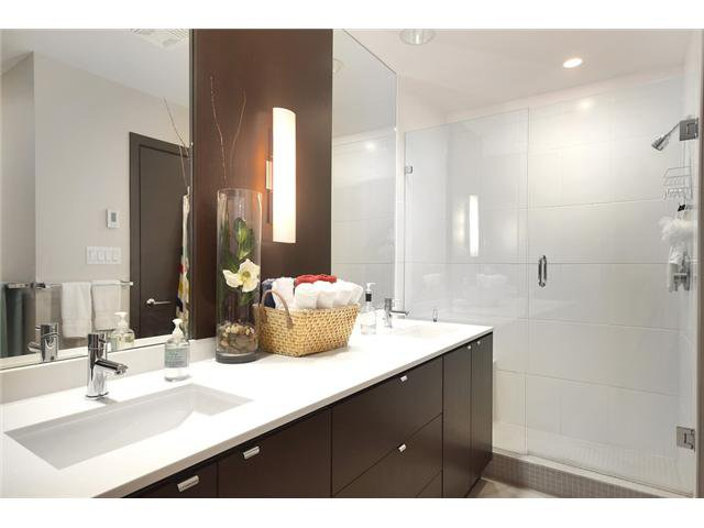 """Photo 10: Photos: 104 1088 W 14TH Avenue in Vancouver: Fairview VW Townhouse for sale in """"COCO"""" (Vancouver West)  : MLS®# V1054113"""