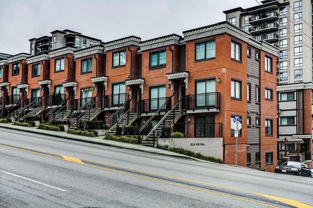 "Main Photo: 9 838 ROYAL Avenue in New Westminster: Downtown NW Townhouse for sale in ""Brickstone Walk"" : MLS®# R2044563"