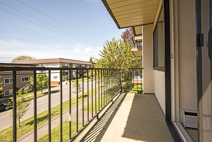 """Photo 9: Photos: 204 505 NINTH Street in New Westminster: Uptown NW Condo for sale in """"FRAISERVIEW APARTMENTS"""" : MLS®# R2060292"""