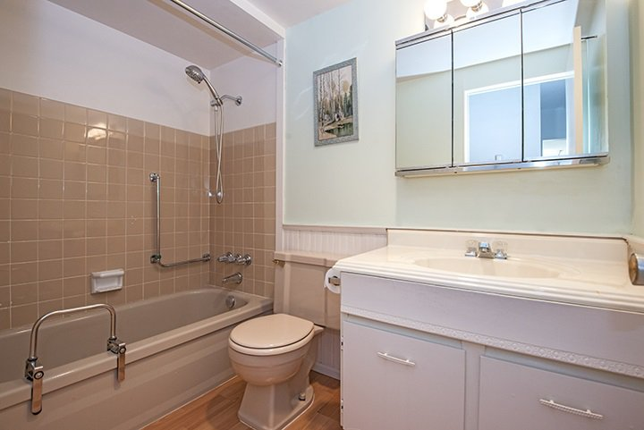 """Photo 7: Photos: 204 505 NINTH Street in New Westminster: Uptown NW Condo for sale in """"FRAISERVIEW APARTMENTS"""" : MLS®# R2060292"""