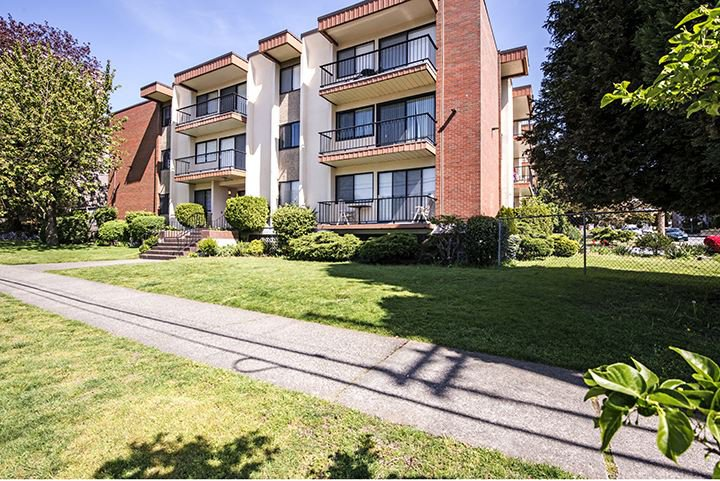 """Main Photo: 204 505 NINTH Street in New Westminster: Uptown NW Condo for sale in """"FRAISERVIEW APARTMENTS"""" : MLS®# R2060292"""
