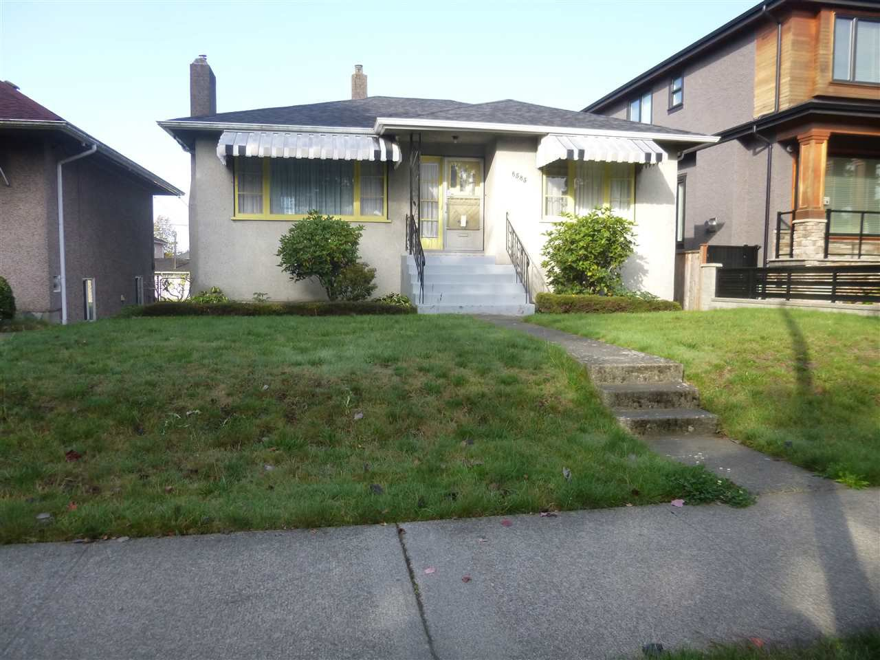 Main Photo: 6585 BROOKS Street in Vancouver: Killarney VE House for sale (Vancouver East)  : MLS®# R2113153