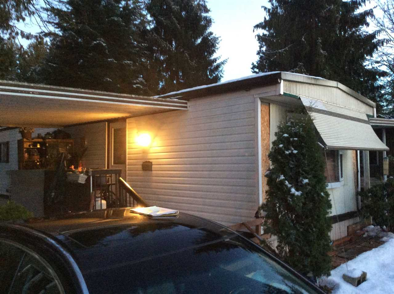 "Photo 2: Photos: 3 21091 LOUGHEED Highway in Maple Ridge: Southwest Maple Ridge Manufactured Home for sale in ""Val Marie"" : MLS®# R2127752"