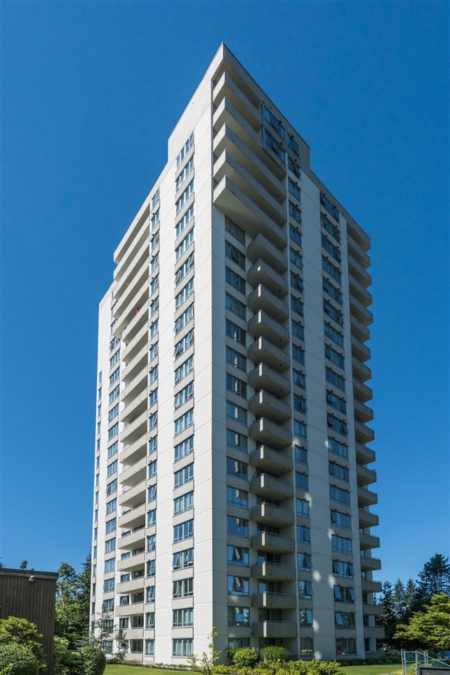 Main Photo: 501 5652 PATTERSON AVENUE in : Central Park BS Condo for sale : MLS®# R2095957