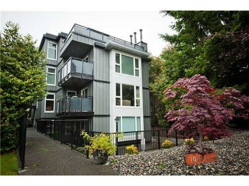Main Photo: 301 1035 11TH Ave W in Vancouver West: Home for sale : MLS®# V1036154