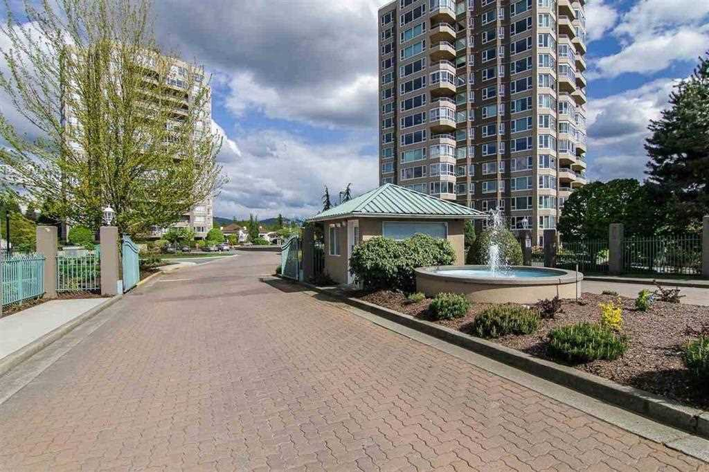 "Main Photo: 214 3176 GLADWIN Road in Abbotsford: Central Abbotsford Condo for sale in ""Regency Park"" : MLS®# R2155492"