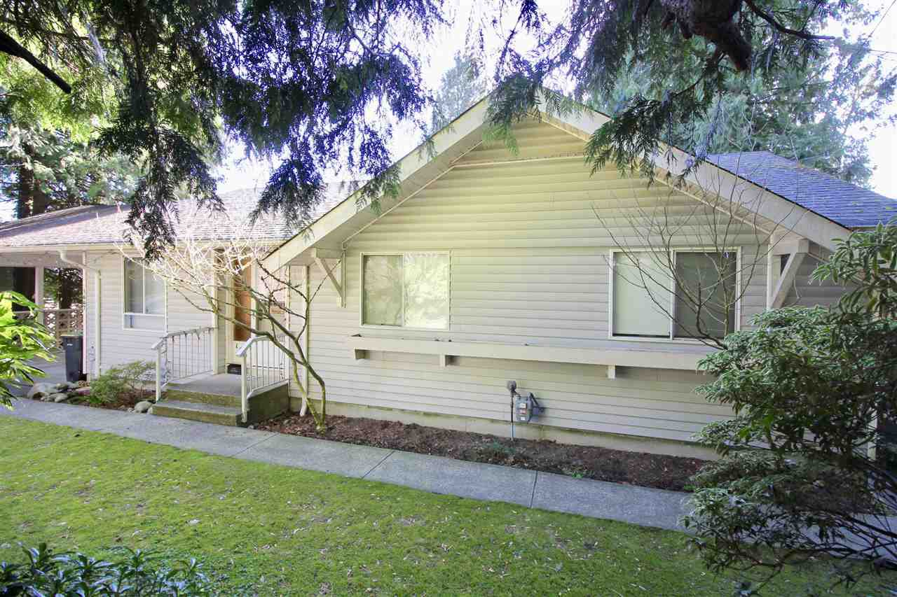 Main Photo: 1667 SCARBOROUGH Crescent in Port Coquitlam: Mary Hill House for sale : MLS®# R2257414