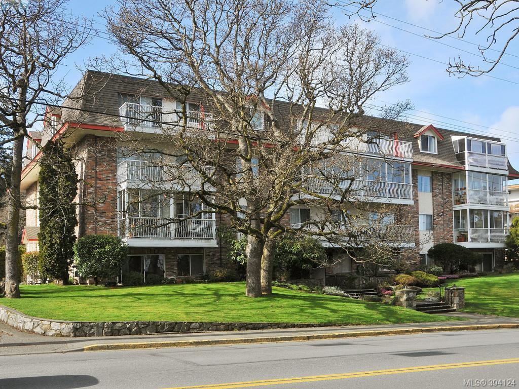 Main Photo: 304 710 Lampson St in VICTORIA: Es Rockheights Condo for sale (Esquimalt)  : MLS®# 790108