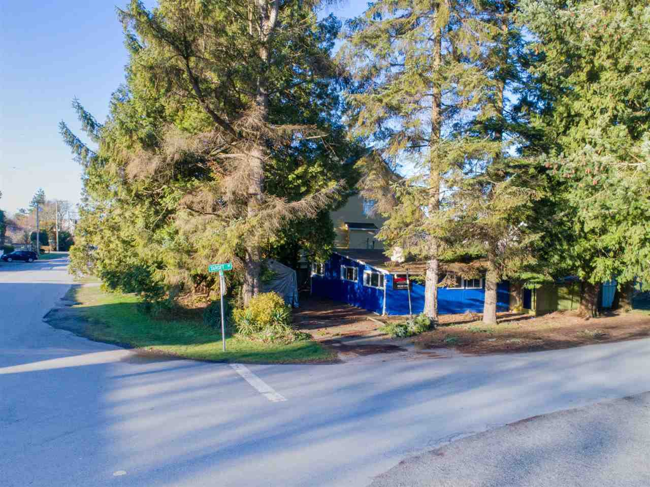 "Main Photo: 3033 MCBRIDE Avenue in Surrey: Crescent Bch Ocean Pk. House for sale in ""Crescent Beach"" (South Surrey White Rock)  : MLS®# R2280525"