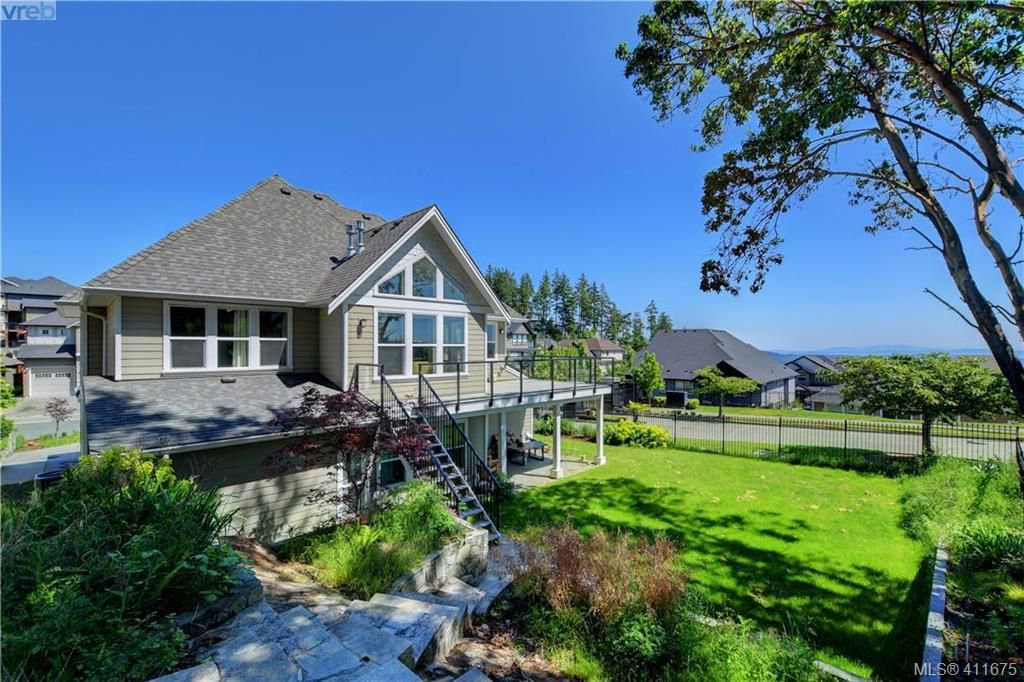 Main Photo: 1241 Rockhampton Close in VICTORIA: La Bear Mountain Single Family Detached for sale (Langford)  : MLS®# 411675