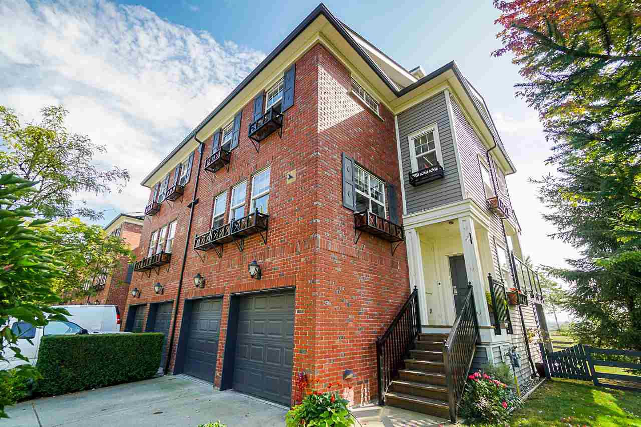 """Main Photo: 22 19538 BISHOPS REACH in Pitt Meadows: South Meadows Townhouse for sale in """"OSPREY VILLAGE - TURNSTONE"""" : MLS®# R2403242"""