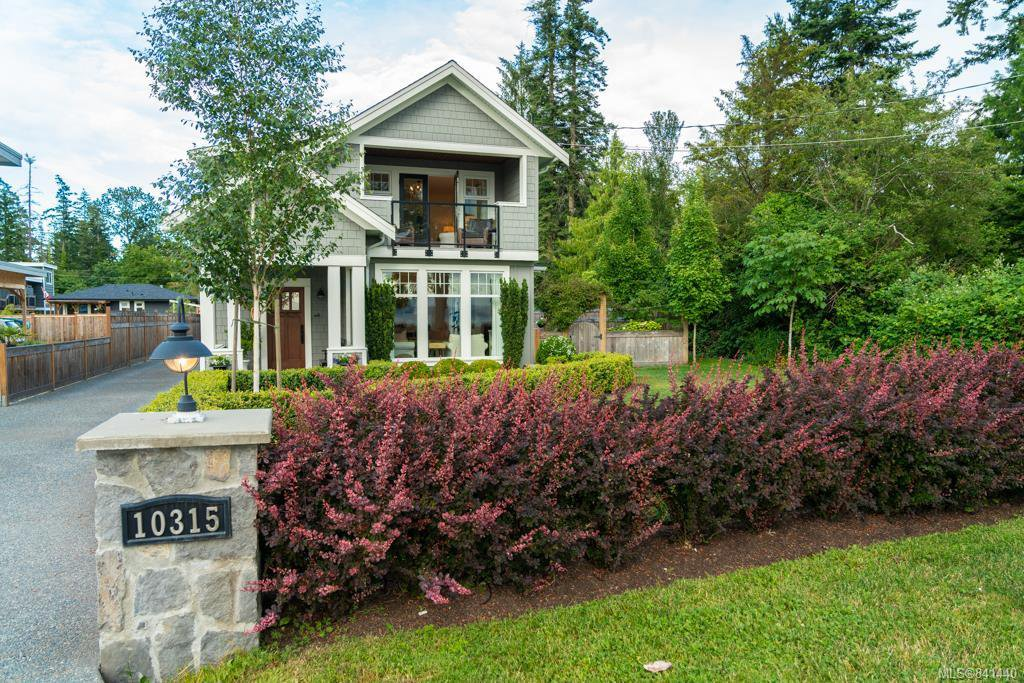 Main Photo: 10315 West Saanich Rd in North Saanich: NS Airport House for sale : MLS®# 841440