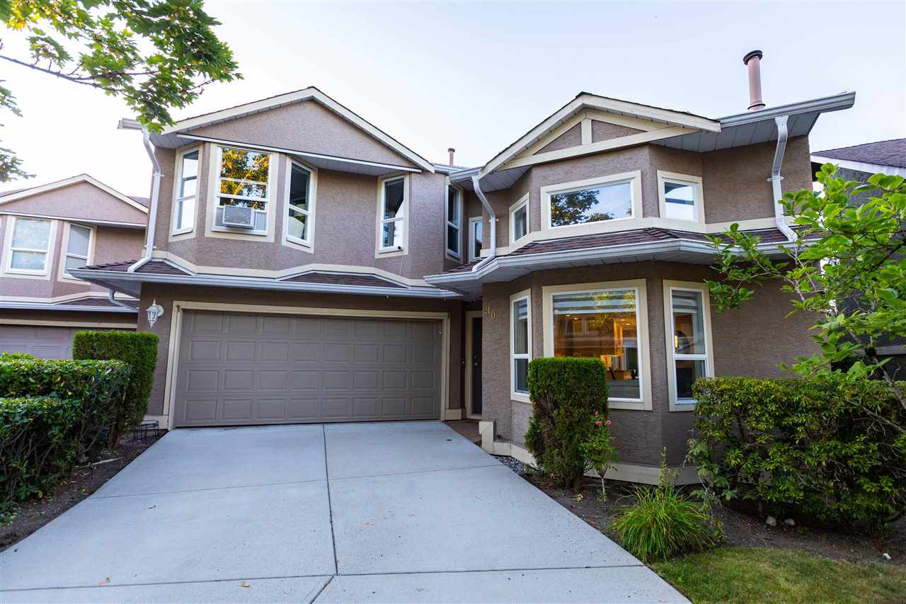 Main Photo: 30 16128 86 Avenue in Surrey: Fleetwood Tynehead Townhouse for sale : MLS®# R2482404