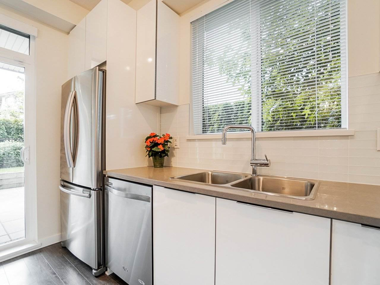 Photo 15: Photos: 108 1151 WINDSOR Mews in Coquitlam: New Horizons Condo for sale : MLS®# R2500299