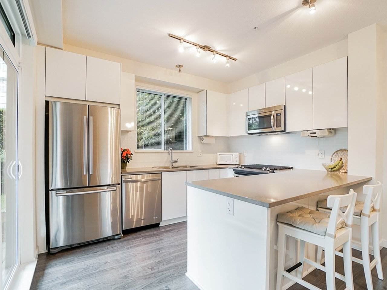 Photo 11: Photos: 108 1151 WINDSOR Mews in Coquitlam: New Horizons Condo for sale : MLS®# R2500299