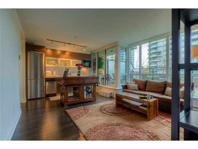 """Photo 3: Photos: # 210 10777 UNIVERSITY DR in Surrey: Whalley Condo for sale in """"CITY POINT"""" (North Surrey)  : MLS®# F1325547"""