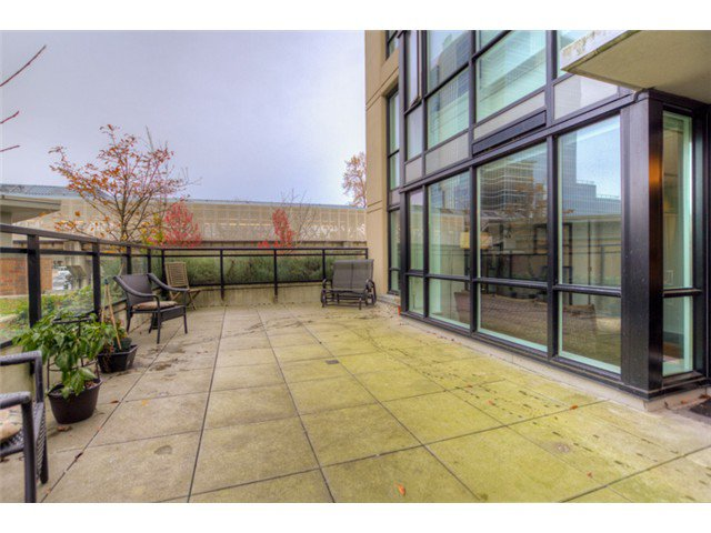 """Photo 9: Photos: # 210 10777 UNIVERSITY DR in Surrey: Whalley Condo for sale in """"CITY POINT"""" (North Surrey)  : MLS®# F1325547"""