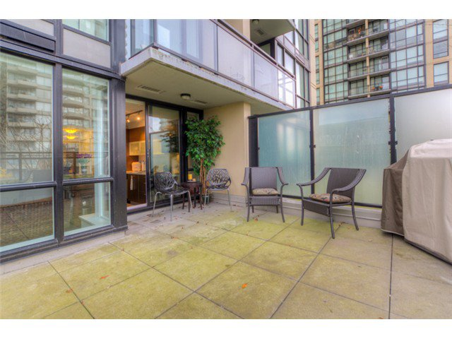 """Photo 10: Photos: # 210 10777 UNIVERSITY DR in Surrey: Whalley Condo for sale in """"CITY POINT"""" (North Surrey)  : MLS®# F1325547"""