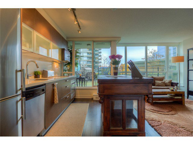 """Photo 4: Photos: # 210 10777 UNIVERSITY DR in Surrey: Whalley Condo for sale in """"CITY POINT"""" (North Surrey)  : MLS®# F1325547"""