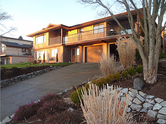 Main Photo: 35281 ROCKWELL Drive in Abbotsford: Abbotsford East House for sale : MLS®# F1401725