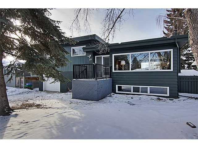 Main Photo: 79 HAYSBORO Crescent SW in CALGARY: Haysboro Residential Detached Single Family for sale (Calgary)  : MLS®# C3599625