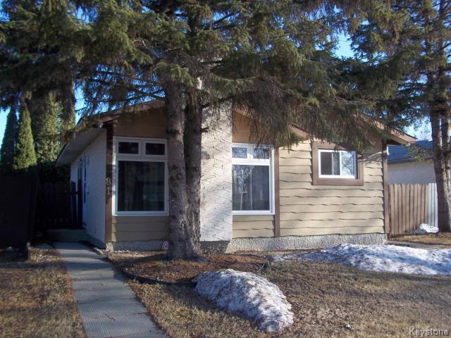 Main Photo: 81 Devonshire Drive in WINNIPEG: Transcona Residential for sale (North East Winnipeg)  : MLS®# 1408285
