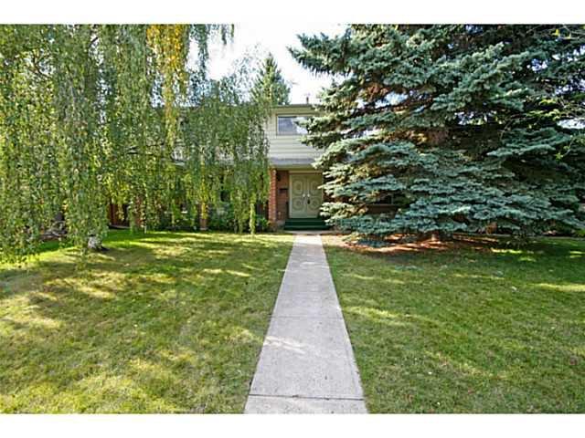 Main Photo: 39 LAKE SUNDANCE Place SE in CALGARY: Lake Bonavista Residential Detached Single Family for sale (Calgary)  : MLS®# C3635850