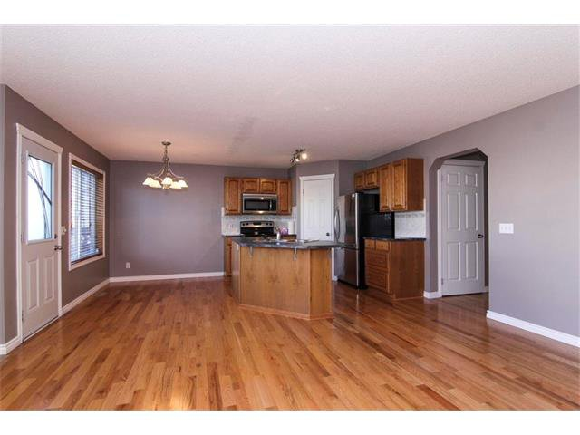 Photo 13: Photos: 196 TUSCANY HILLS Circle NW in Calgary: Tuscany House for sale : MLS®# C4019087