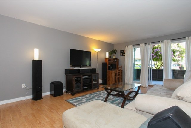 """Photo 3: Photos: 108 13530 HILTON Road in Surrey: Bolivar Heights Condo for sale in """"HILTON HOUSE"""" (North Surrey)  : MLS®# R2062435"""