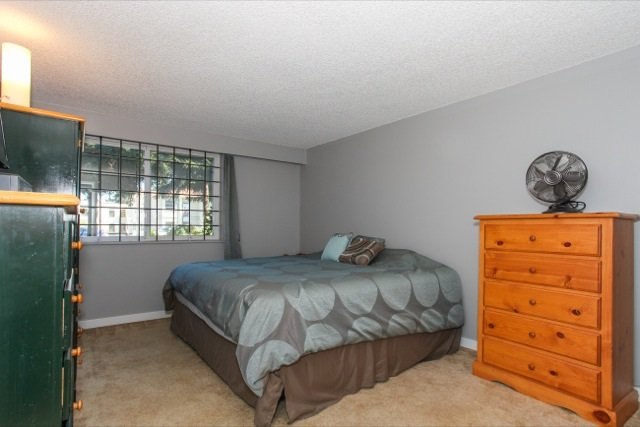 """Photo 13: Photos: 108 13530 HILTON Road in Surrey: Bolivar Heights Condo for sale in """"HILTON HOUSE"""" (North Surrey)  : MLS®# R2062435"""