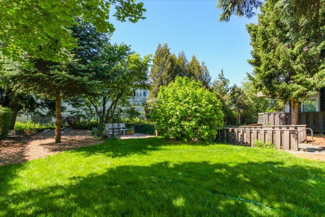 """Photo 19: Photos: 108 13530 HILTON Road in Surrey: Bolivar Heights Condo for sale in """"HILTON HOUSE"""" (North Surrey)  : MLS®# R2062435"""