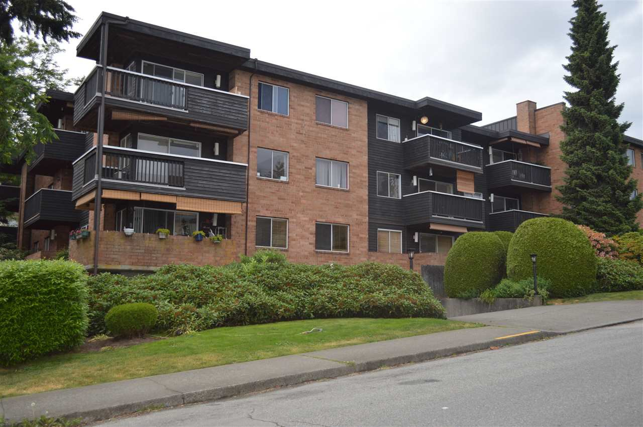 "Main Photo: 206 1011 FOURTH Avenue in New Westminster: Uptown NW Condo for sale in ""CRESTWELL MANOR"" : MLS®# R2074662"