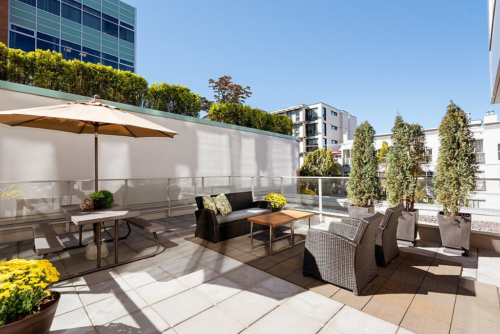 """Main Photo: 301 538 W 7TH Avenue in Vancouver: Fairview VW Condo for sale in """"CAMBIE + 7"""" (Vancouver West)  : MLS®# R2108628"""
