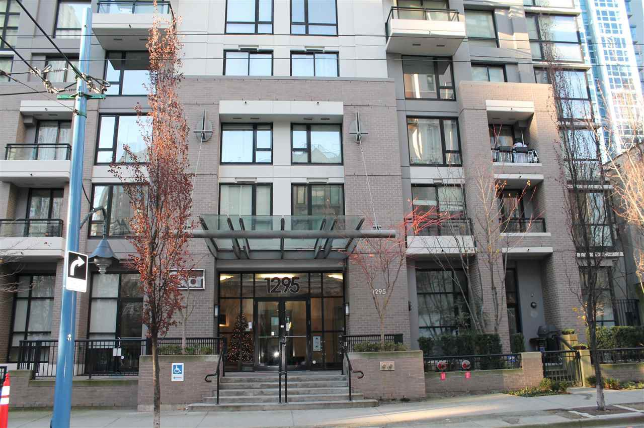 "Main Photo: 2109 1295 RICHARDS Street in Vancouver: Downtown VW Condo for sale in ""OSCAR"" (Vancouver West)  : MLS®# R2127740"