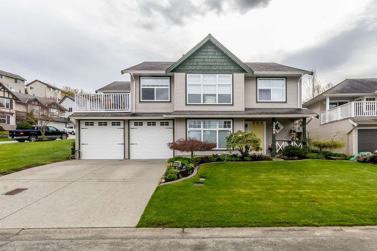 Main Photo: 3266 RATHTREVOR Court in Abbotsford: Abbotsford East House for sale : MLS®# R2156106