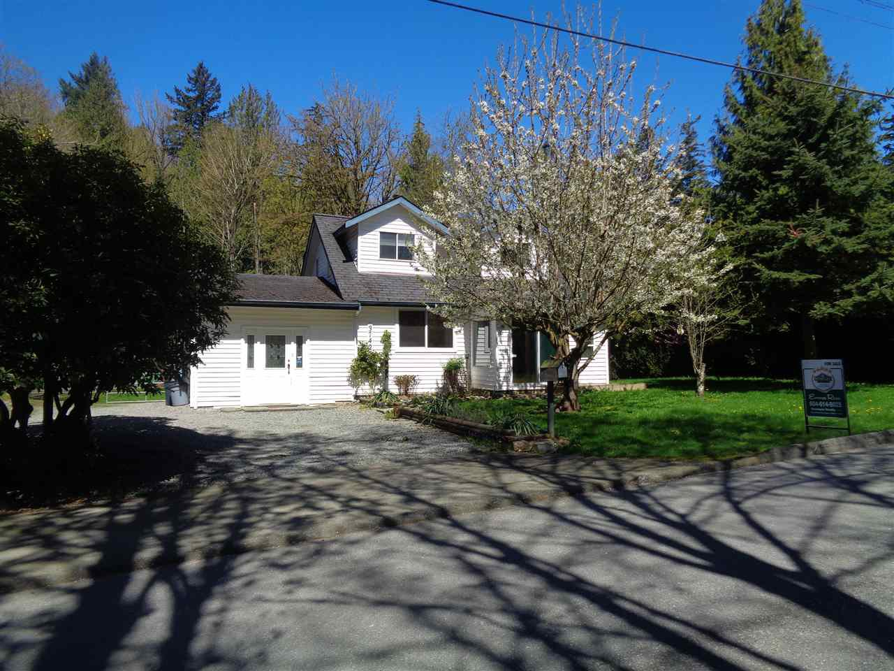 Main Photo: 37427 ATKINSON Road in Abbotsford: Sumas Mountain House for sale : MLS®# R2158653